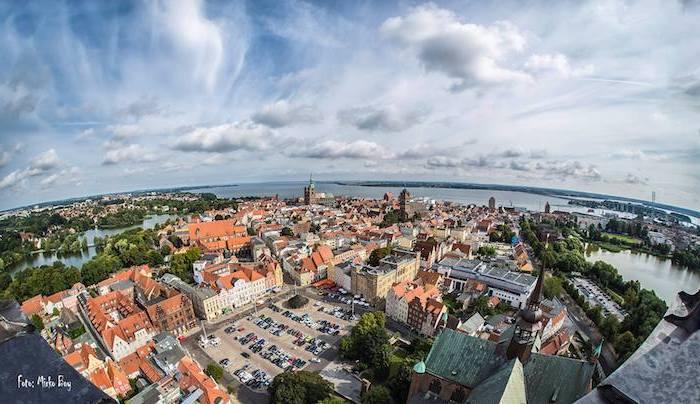 beliebteste urlaubsziele in deutschland stadt rügen von oben gesehen städte architektur ein interessantes bild aussicht naturbilder
