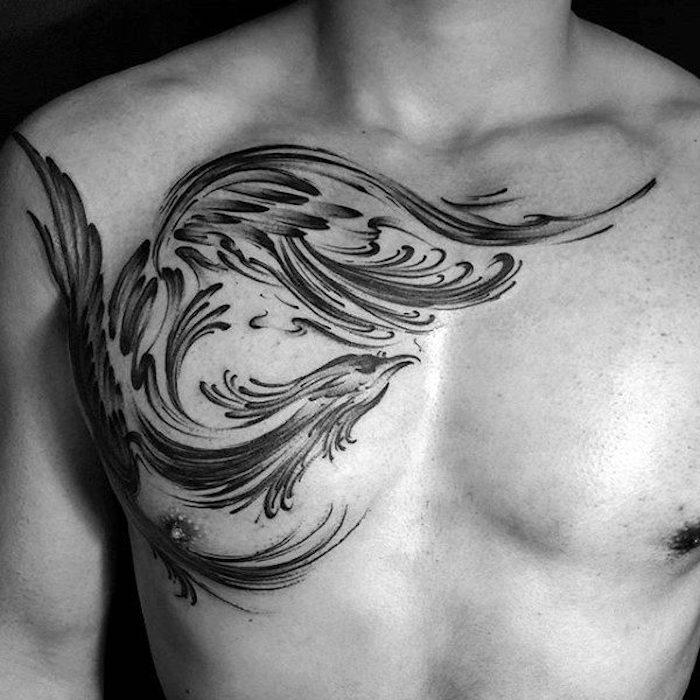 brust tattoo mann, schware tätowierung mit phönix-motiv