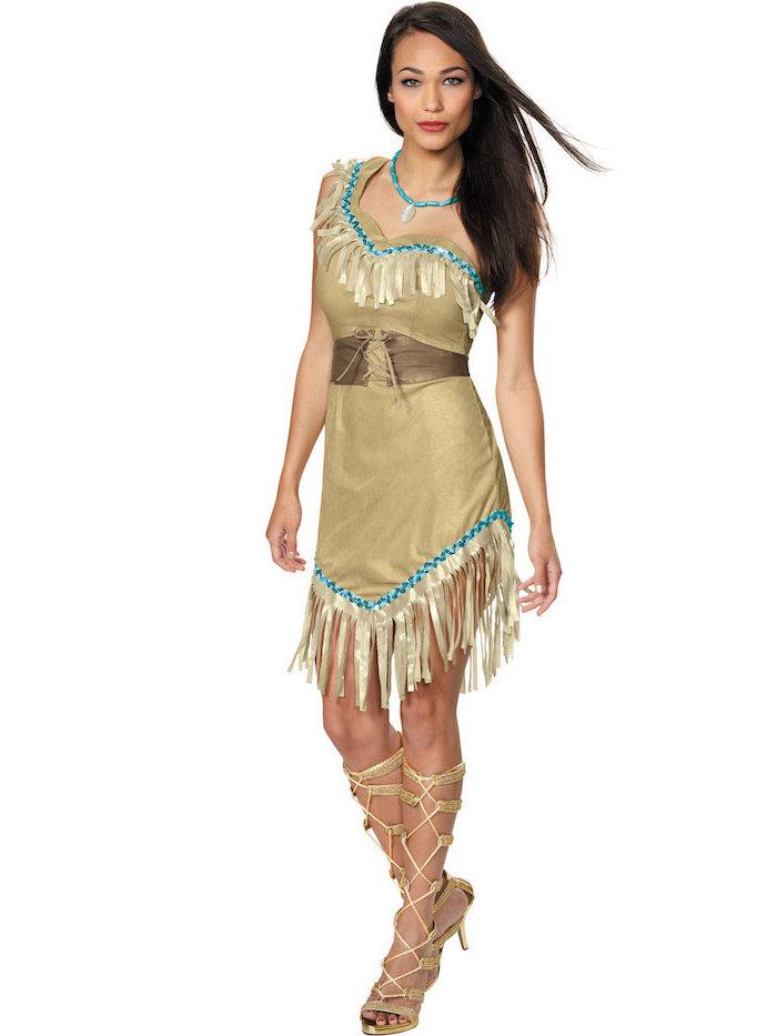 Pocahontas Kostüm für Fasching, hellbraunes Kleid mit blauen Applikationen