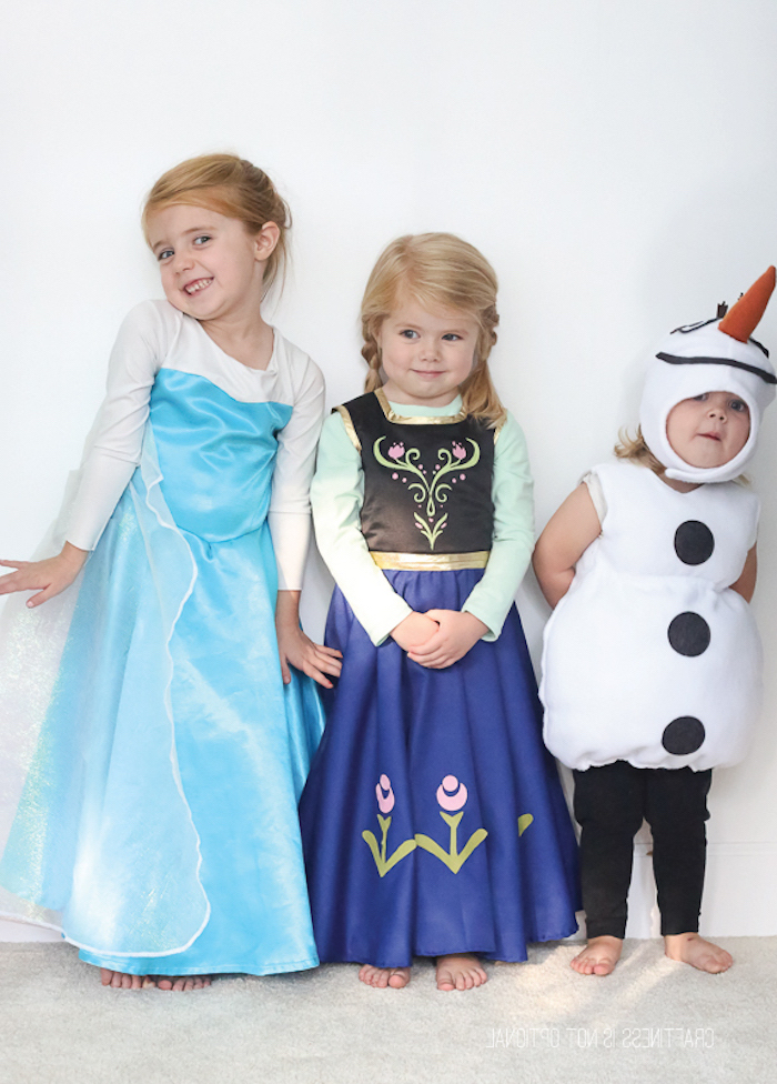 Eiskönigin Königin Kostüme für Kinder, Elsa mit hellblauem Kleid, Anna mit buntem Kleid, süßer Schneemann