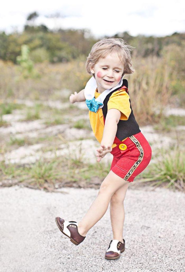Pinocchio Kostüm für Kinder zum Nachmachen, süße Kostüm Idee für Fasching