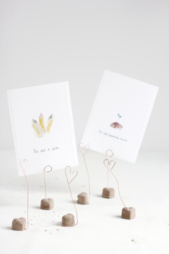 valentinstag geschenk mann zement herzchen wie sein herz spaß machen diy geschenke ständer für karten u.a.