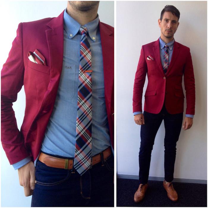 dunkelblauer anzug schuhe braun kariierte krawatte roter blazer buntes outfit bohemian style kreativ angezogener mann jeans ideen trendy