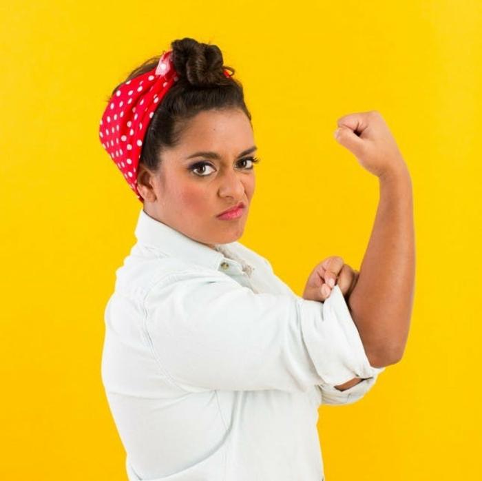 Coole Faschingskostüme von selbstständigen Frauen, man braucht ein rotes Tuch und die richtige Körperstellung