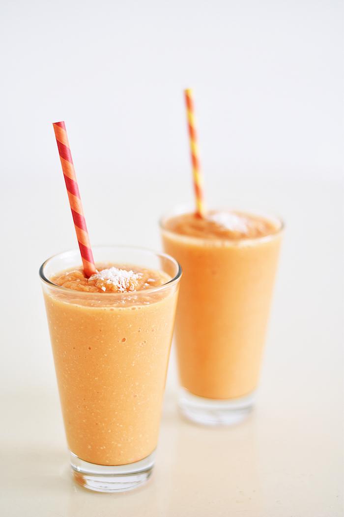 eiweißshake rezept, papaya, griechischer joghurt und kokos