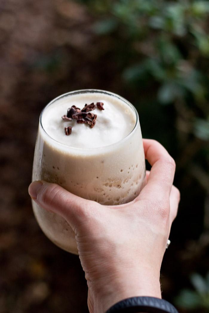 eiweißshake selber machen, protein shake mit kaffee und erbseneiweiß