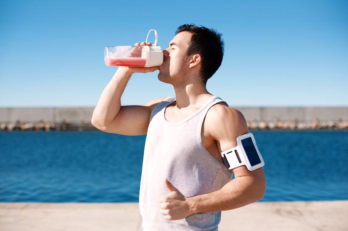 eiweißshake selber machen, protein shake nach training trinken