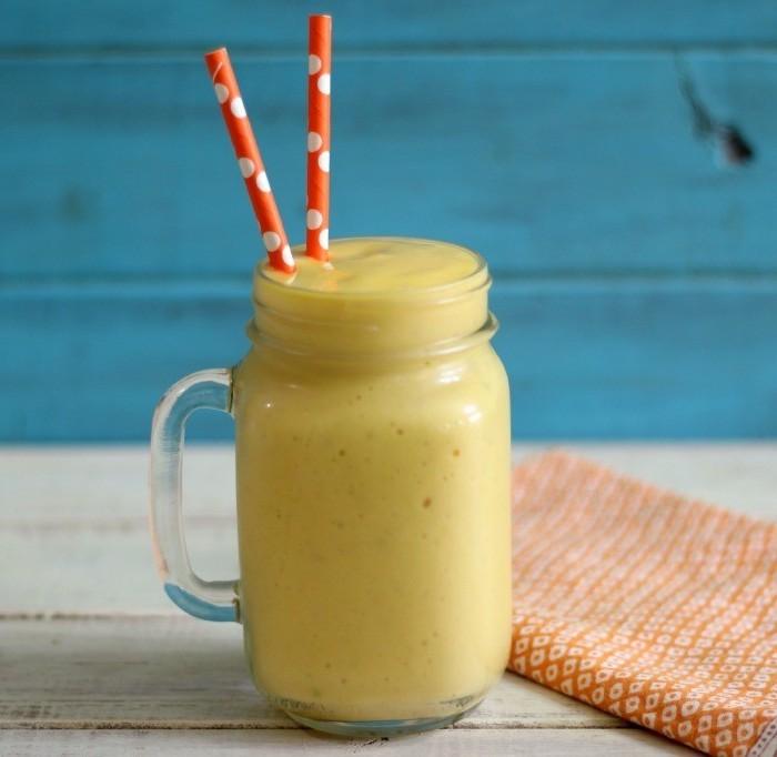 eiweißshake zum abnehmen, eiweißgetränk mit mango und pfirsichen