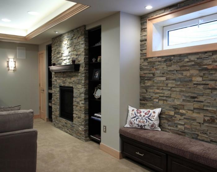 ein gemütliches Wohnzimmer, mit einer heller Sitzecke mit bunten Kissen -Wandverblender