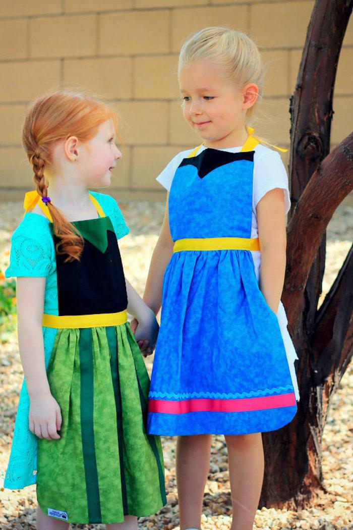Disney Kostüme Elsa und Anna, süße Kleider in Blau und Grün mit kurzen Ärmeln