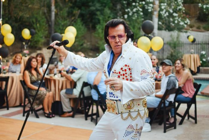wenn Elvis Presley noch lebte, würde er so alt sein - ein Elvis Precley Party - Mottoparty Ideen