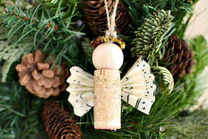 engel basteln aus naturmaterialien weihnachtsengel basteln aus wein korken und papier einfache weihnachtsbaum deko diy
