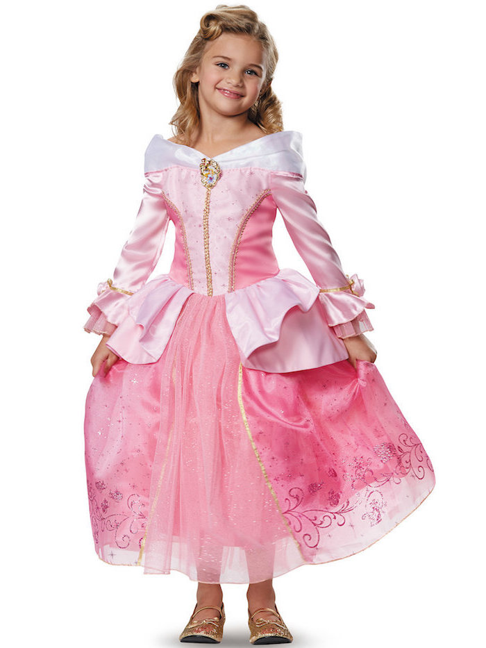 Dornröschen Kostüm, rosafarbenes Kleid mit langen Ärmeln, goldene Schuhe