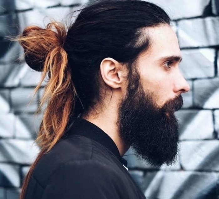 frisur lange haare, männerfrisuren 2018, mann mit langen haaren im ombre-look