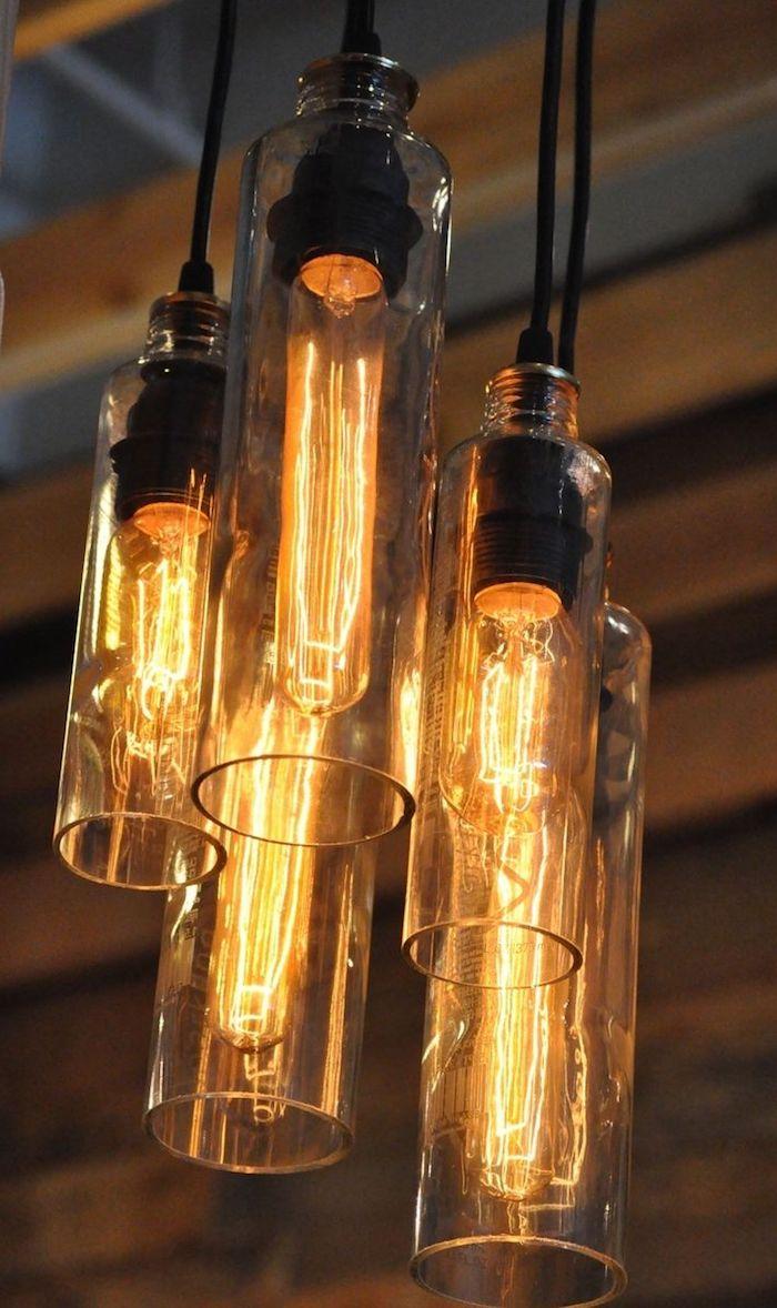eine hängelampe aus durchsichtigen glasflaschen - lampen selber machen