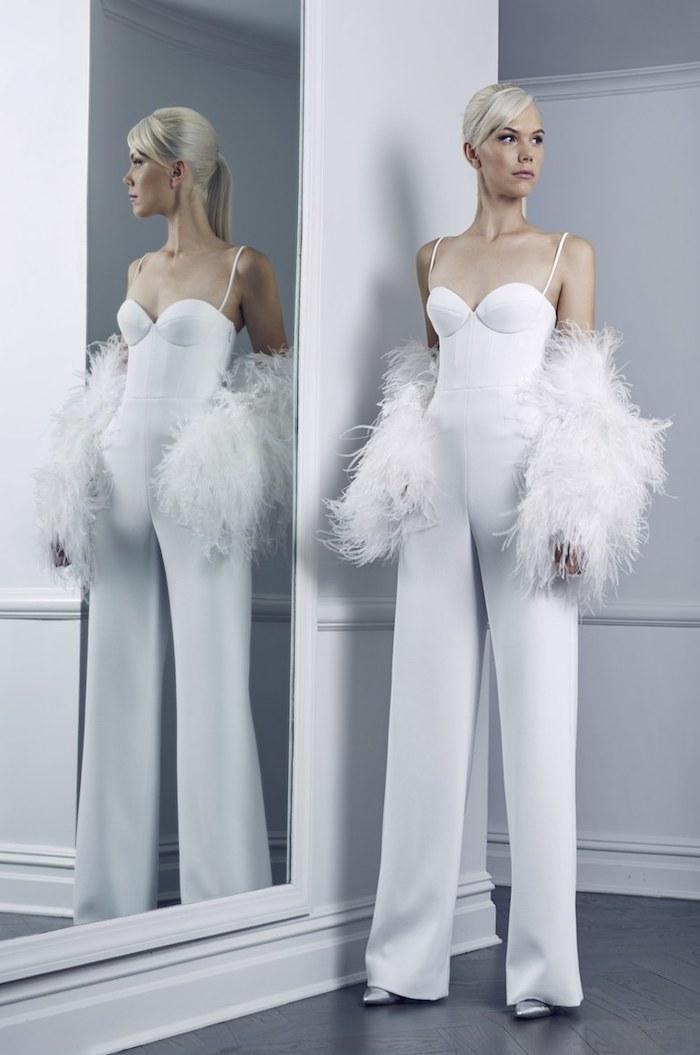 festlicher jumpsuit model gibt ideen zum stilvollen hochzeitsfest damenmode ideen zum styling flauschige ärmel oberteil idee