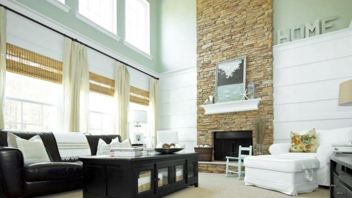 ein helles Wohnzimmer mit viel natürliches Licht, moderne Möbel, Wandverblender