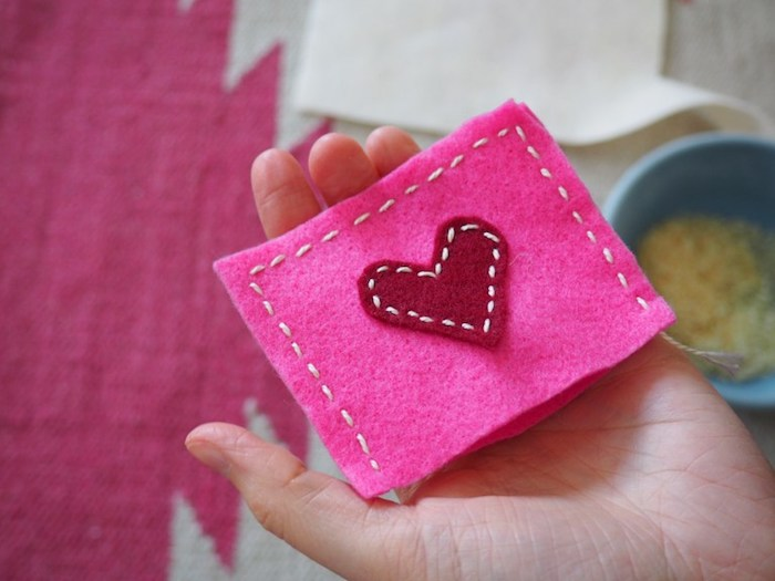 Make creative Valentine's Day gifts yourself - easy, fast and cheap!
