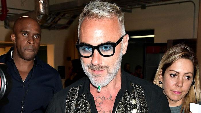 hipster bart ideen für coole männer ideen schmuck für den bart brille weiße haare tattoos outfit ideen