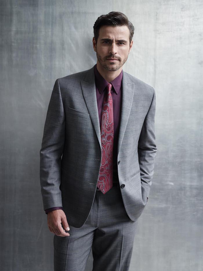 grauer anzug braune schuhe ideen für elegante businessmen rotes hemd und rote krawatte mit print