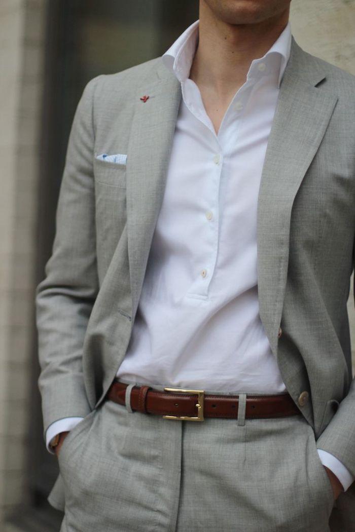 grauer anzug braune schuhe mit dem gürtel schön kombinieren weißes hemd ideen