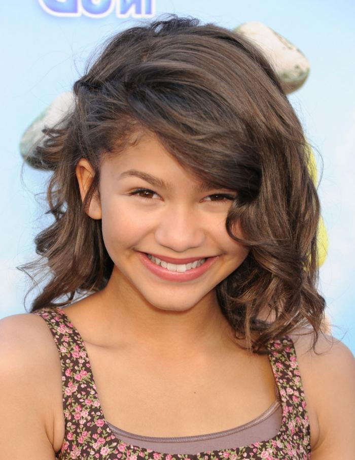 Zendaya ist ein Star von früh an - wie Sie als kleines Mädchen mit Frisur Schulterlang aussieht