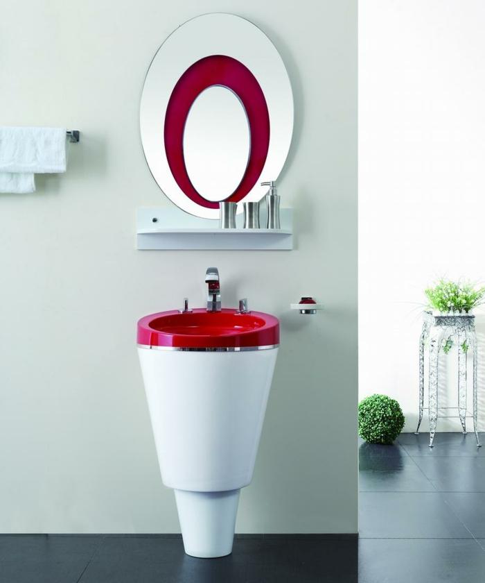 luxuriöse Einrichtung für Badezimmer, freistehender Handwaschbecken aus Keramik und Metall in zwei Farben - Rot und Weiß, Designer-Spiegel mit ovaler Form und doppeltem Rahmen, Spiegel mit Spiegelrahmen, Spiegel mit rundem Rahmen, Spiegel mit Regal, Tuchständer an der Wand, Badezimmer mit Pflanzendeko