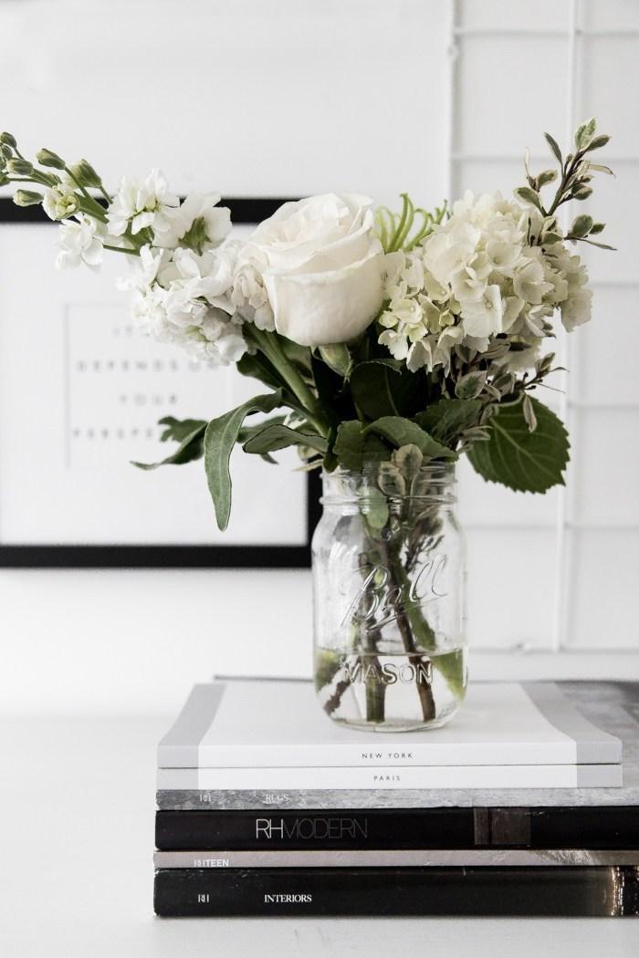 valentinstag geschenke für freund freundin blumen schenken die beste idee klassische ideen geschenke weiße blumen in vase