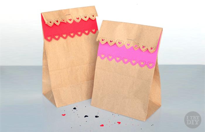 papierverpackungen selber dekorierenvalentinstag geschenke für freund oder freundin paket voll mit keksen oder pralinen