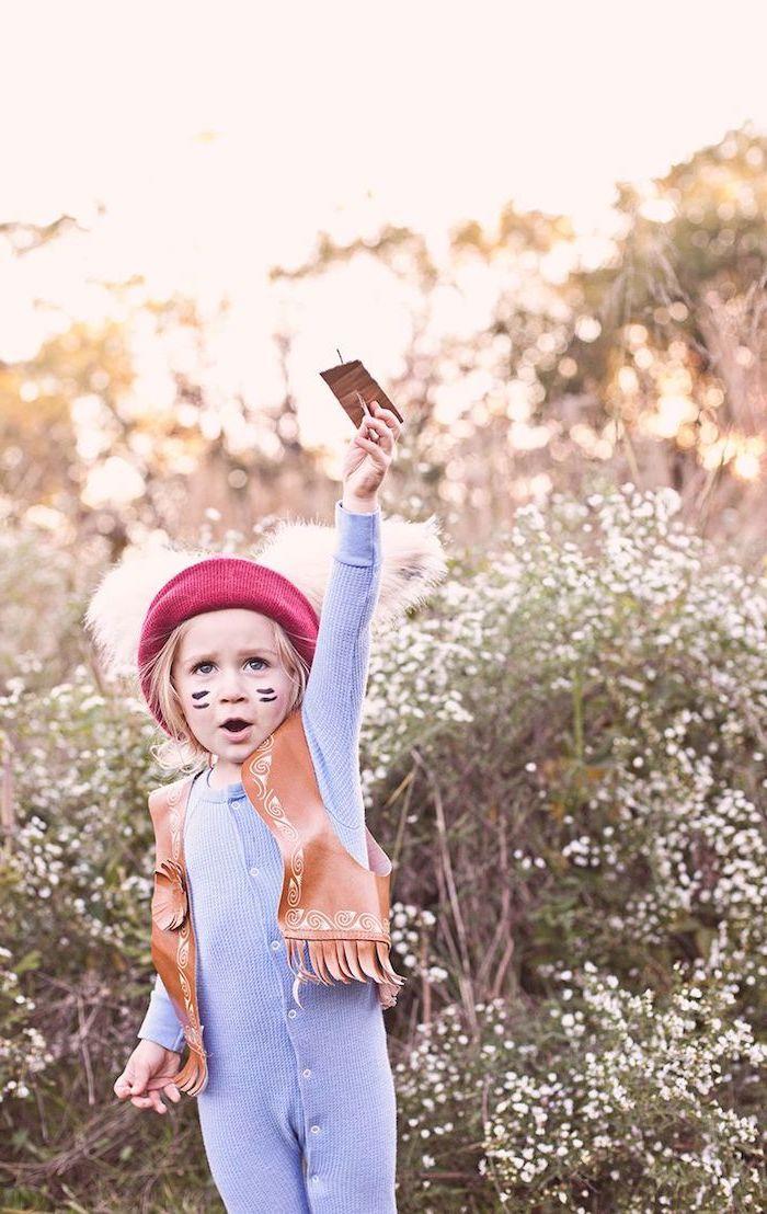 Cooles Kinderkostüm für Fasching oder Halloween, rote Mütze mit Federn