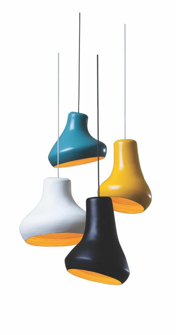 Lampenschirm aus gefärbter Plastik in vier Farben, Lampenschirm mit unregelmäßiger Form