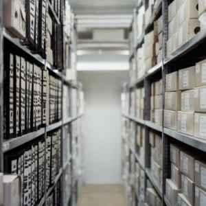 Sichere und praktische Lagerregale für ein erfolgreiches Unternehmen