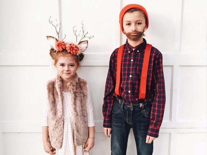 Geschwister Kostüme für Fasching - Mädchen mit rosa Kleid mit schwarzen Punkten und aschenrosa Weste aus Plüsch, Diadem mit Rehohren und orangen Blumen, Junge - Hemd mit Karomuster, Jeans mit orangen Trägern