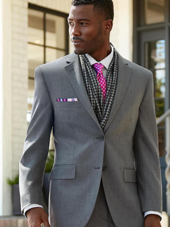beige hose mit grauem sakko kombinieren ideen zum perfekten männerstil rosa krawatte accessoires ideen