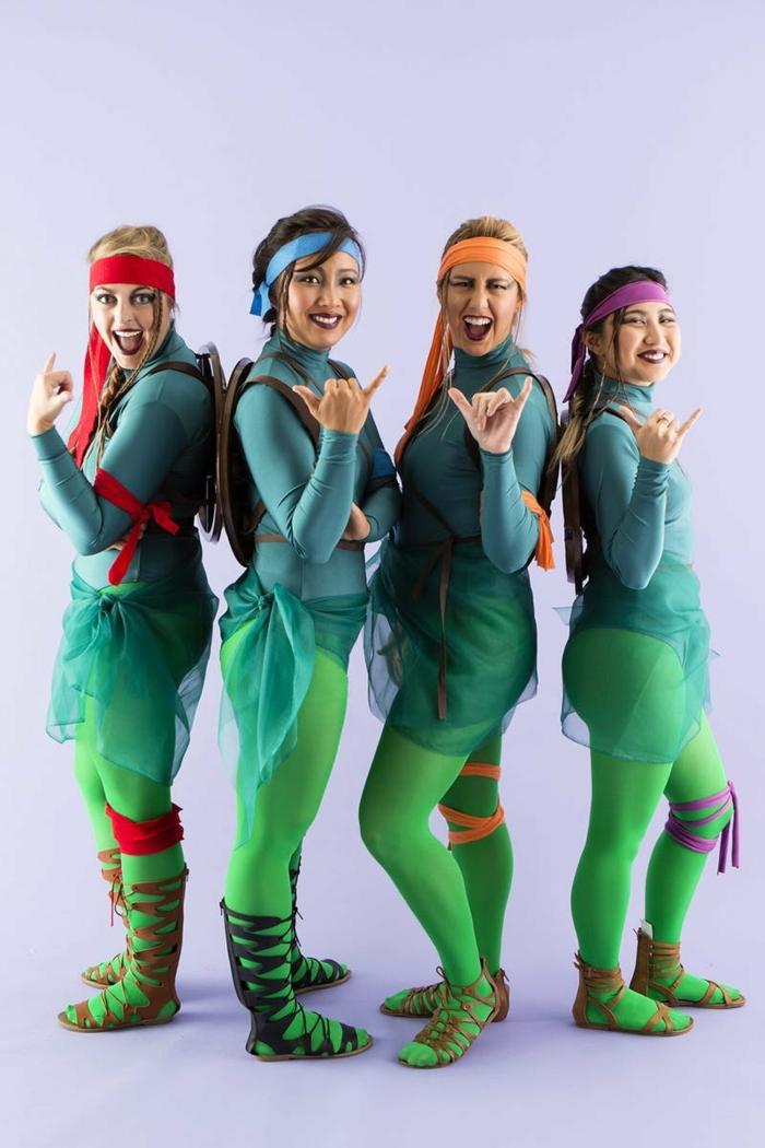 coole Theme - die Teenager Mutant Ninja Turtles, vier Mädchen so verkleidet