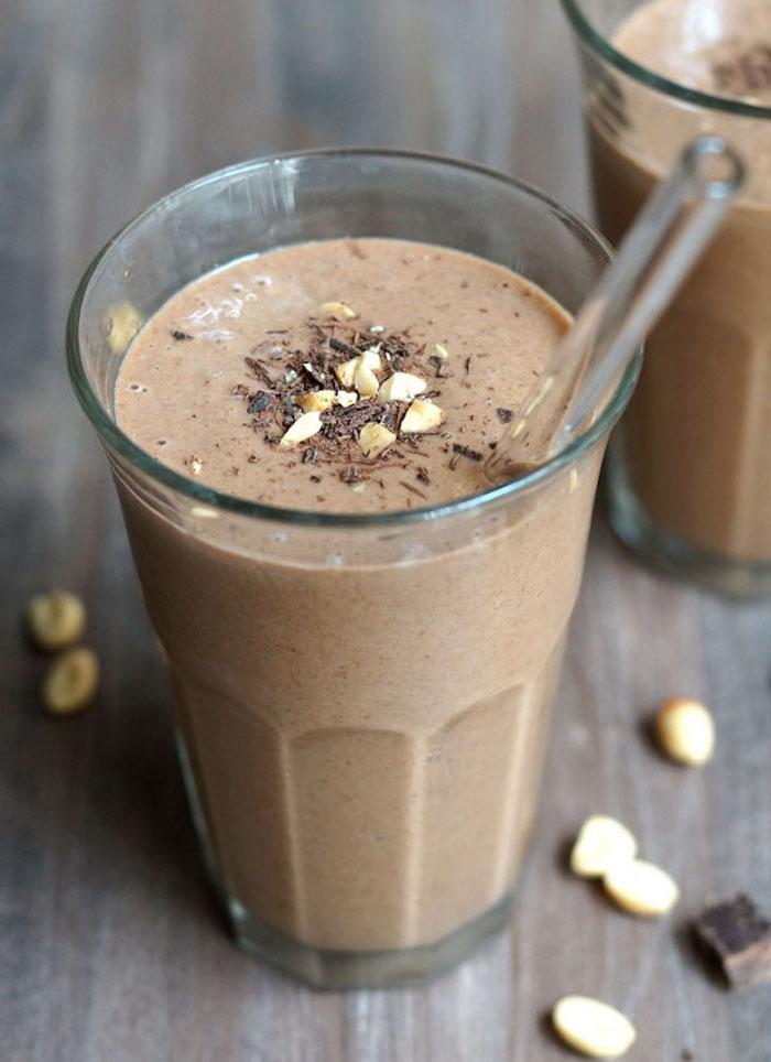 eiweißshake selber machen, eiweißdrink mit kakao und erdnussbutter