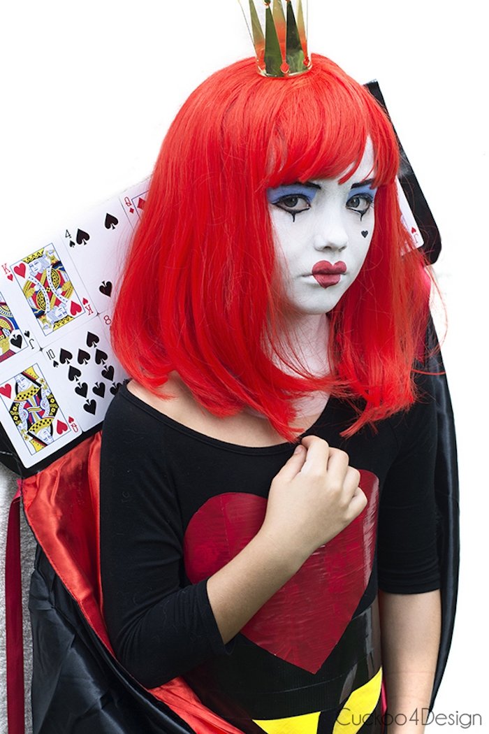 Die rote Königin Kostüm und Make up für Mädchen, rote Perücke und goldene Korne