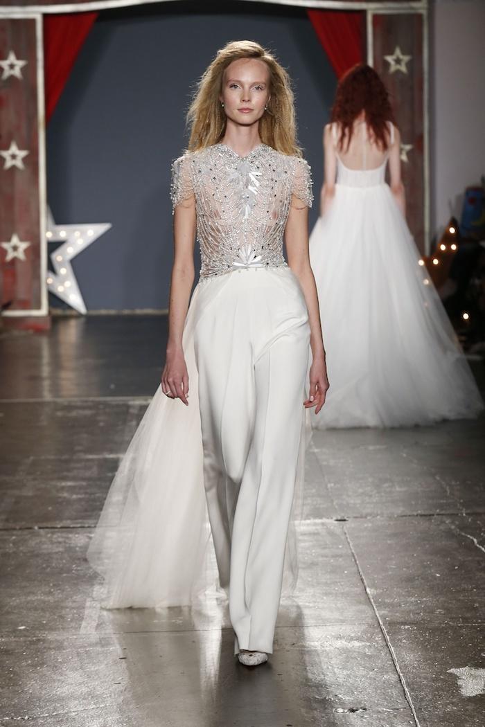 schöne idee für jumpsuit festlich zur hochzeit aussehen mode für bräute moderne junge damen fest heiratsantrag