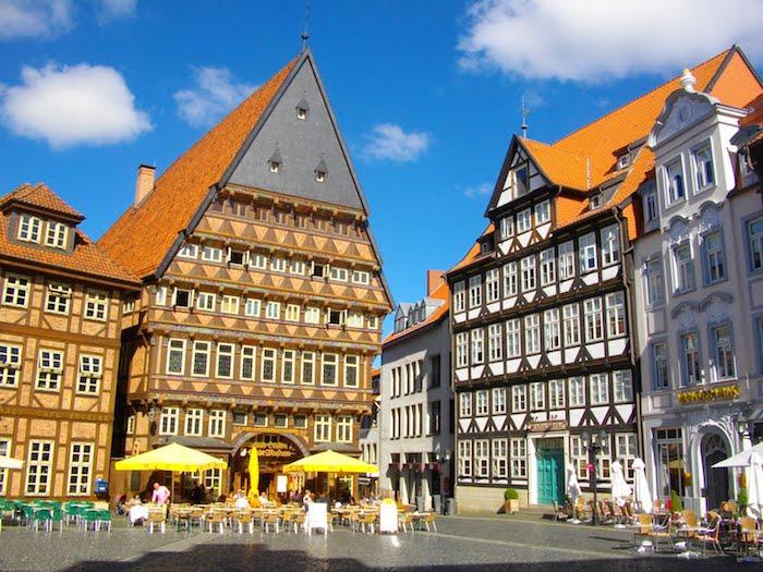 die schönsten orte der welt das zentrum von hildesheim metzgerhaus fachwerkhaus museum sehenswert straßencafe