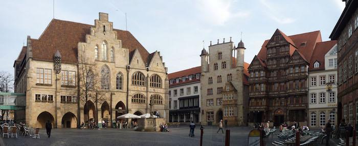 die schönsten orte der welt der marktplatz von hildesheim rathaus renaissance gebäude und gotisches haus architektur stile