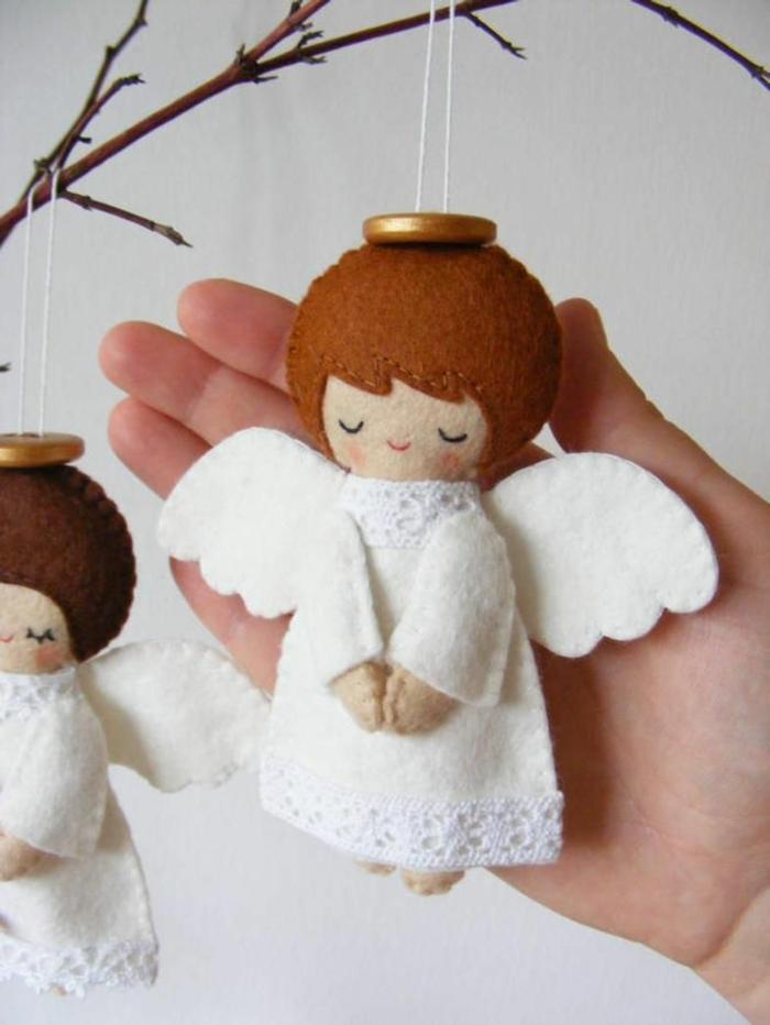 schutzengel selber basteln weihnachtsengel basteln aus filz und holz engel basteln kinder zwei weiße engel