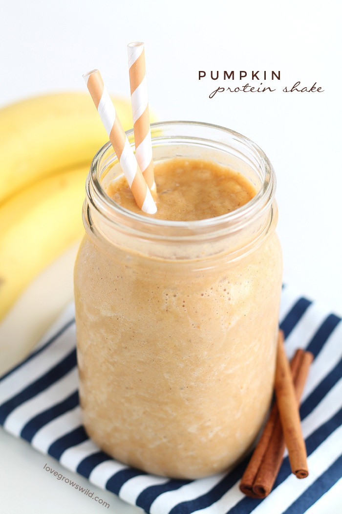 protein shake rezept, selbstgemachtes proteingetränk mit kürbis und zimt
