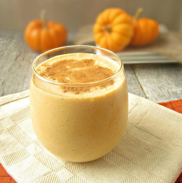 protein shake rezept, shake mit kürbispürree und zimt, gesund essen