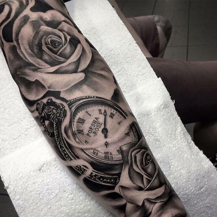 tattoo uhr, 3d-tätowierung am unterarm, uhr in kombination mit weißen rosen