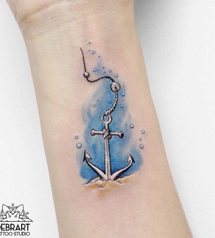 tattoovorlagen für frauen, wasserfarben tattoo am arm, tattoos für frauen