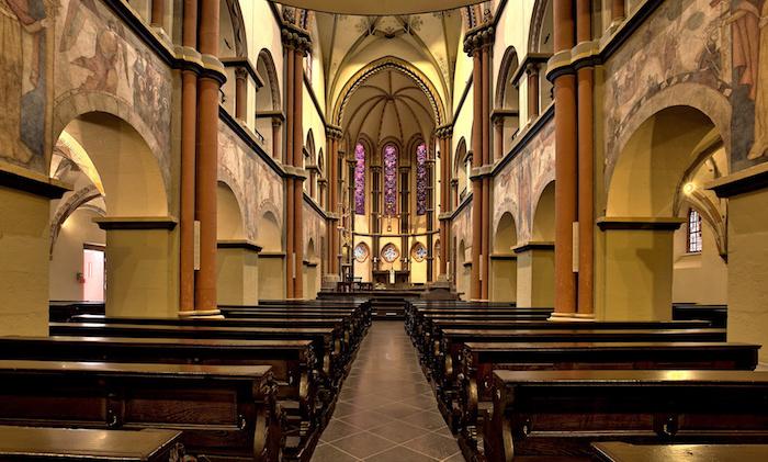 beliebte urlaubsziele deutschlands sehenswürdigkeiten sind unzahlbar kathedral kirche interieur linz am rhein
