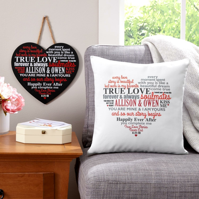 Personalisiertes Geschenk, weißes Kissen mit Namen und romantischen Botschaften, Geschenkidee zum Valentinstag