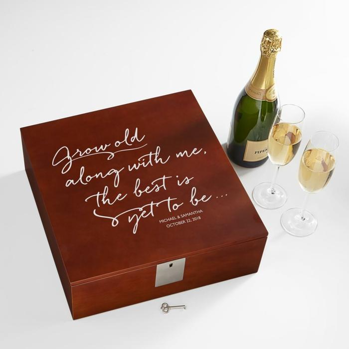Personalisiertes Geschenk zum Valentinstag, Sekt und zwei Gläser in luxuriöser Schachtel, Geschenkideen für Männer