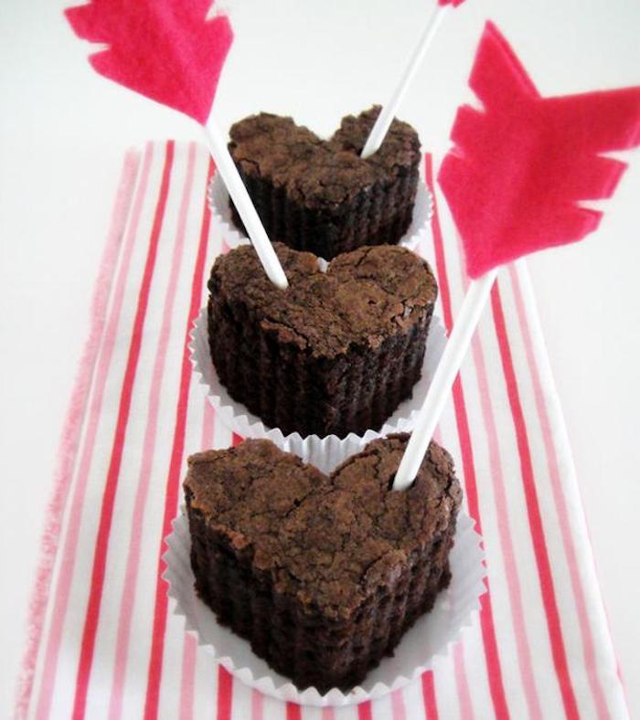 ausgefallene geschenkideen zum selber machen muffins praline kekse alles süße ist perfekt zum schenken zu valentinstag feier der liebe und lebenslust
