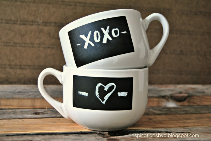 Teetassen selbst bemalen und beschriften, Herz und Küsse, Geschenkidee für verliebte Paare zum Valentinstag